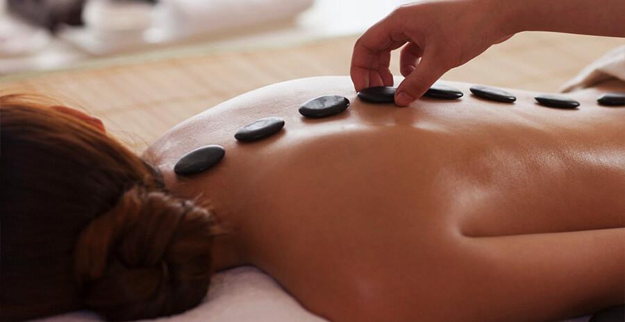 Массаж горячими камнями (стоун — терапия)